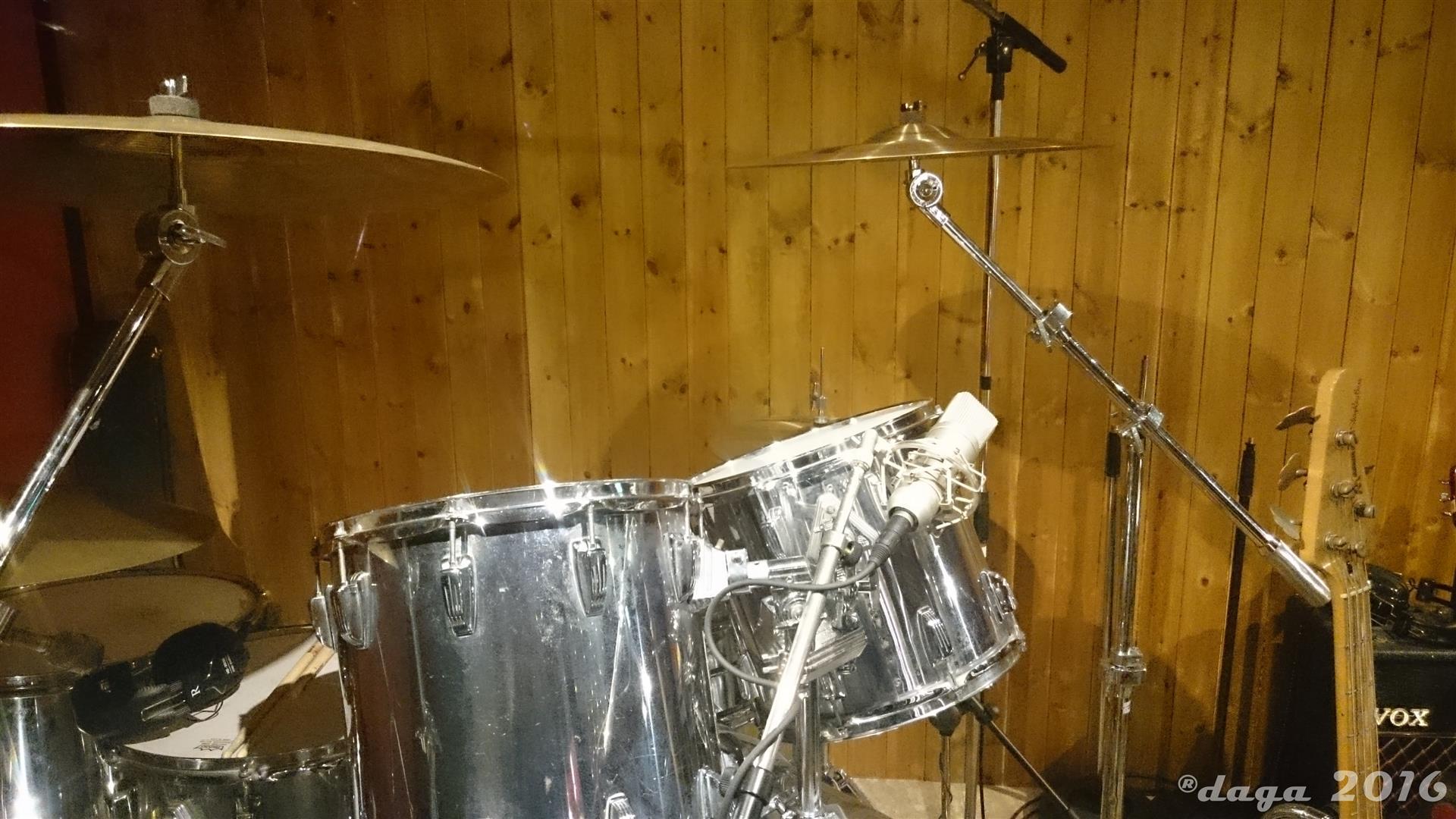 Queen Studio Experience --007