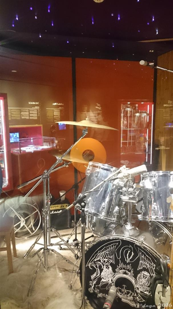 Queen Studio Experience --012